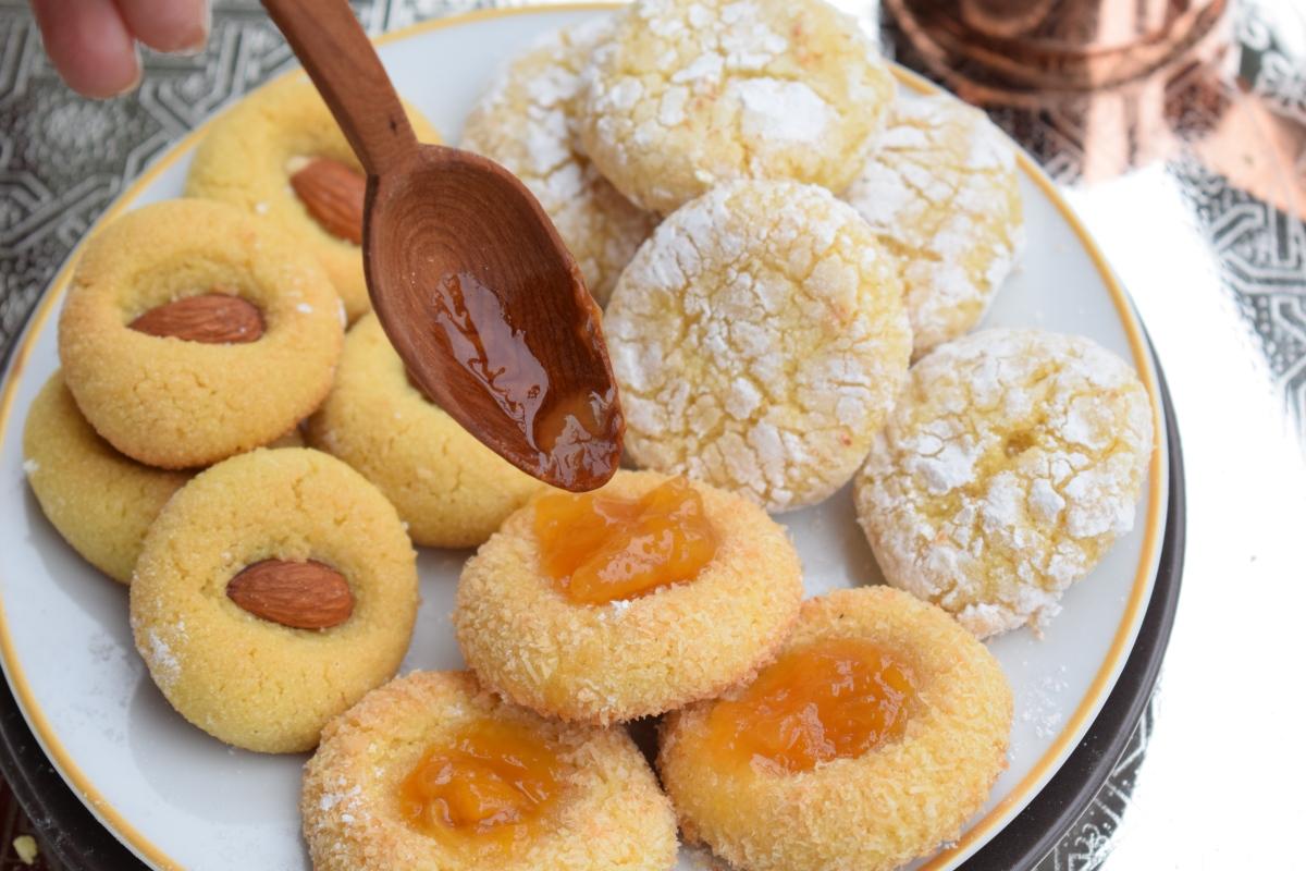 3 Ghriyba à la semoule, citron et amandes